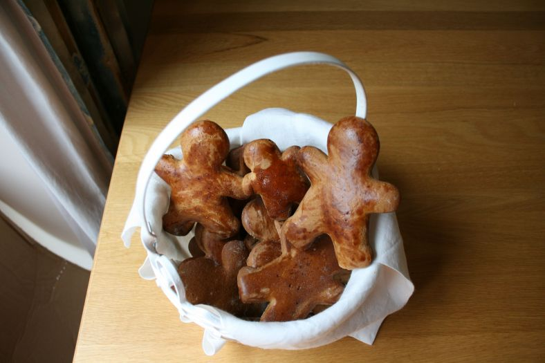 ginger men in a basket